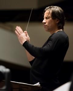 Kristjan Järvi in seinem Element (Foto: MDR / Peter Adamik)