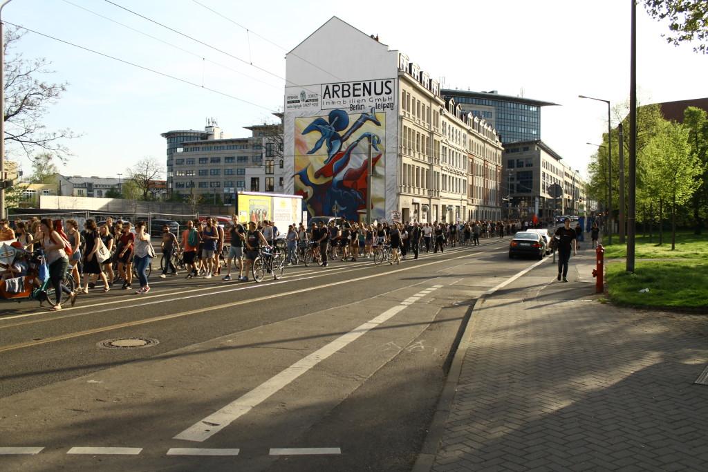 Demonstration auf der Eisenbahnstraße