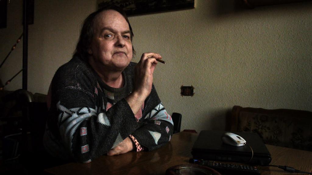 """Evelin aus dem Dokumentarfilm """"Mich vermisst keiner"""" von Erik Lemke verlor nach ihren Beinen auch ihre Freunde"""