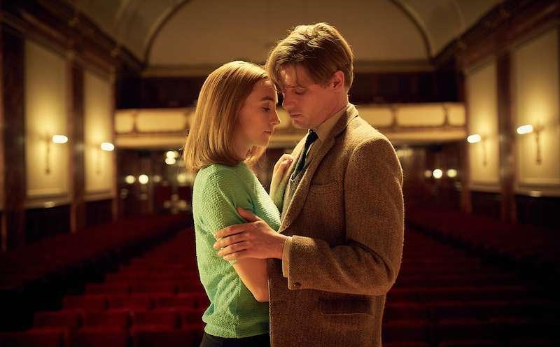 Zwischen Florence und Edward entwickelt sich eine innige, zärtliche Liebe