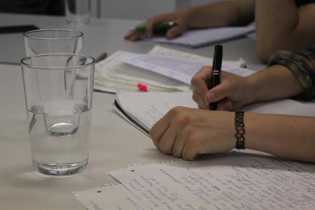 Fleißig am Notizen schreiben