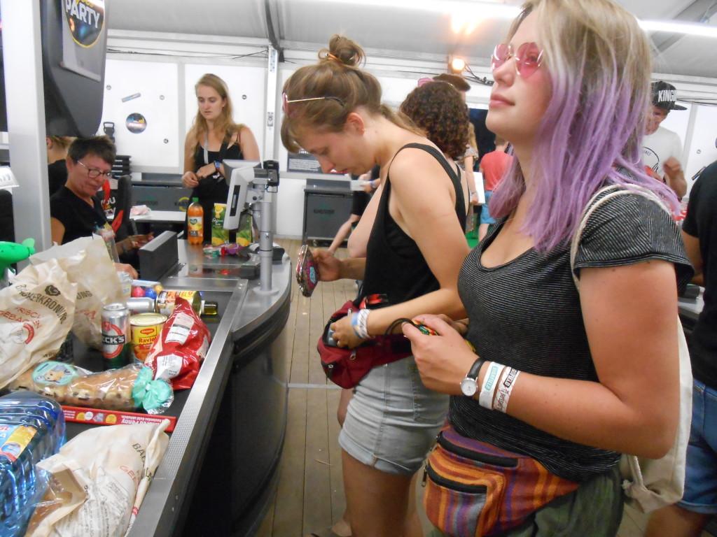 Discounteralarm auf dem Festival
