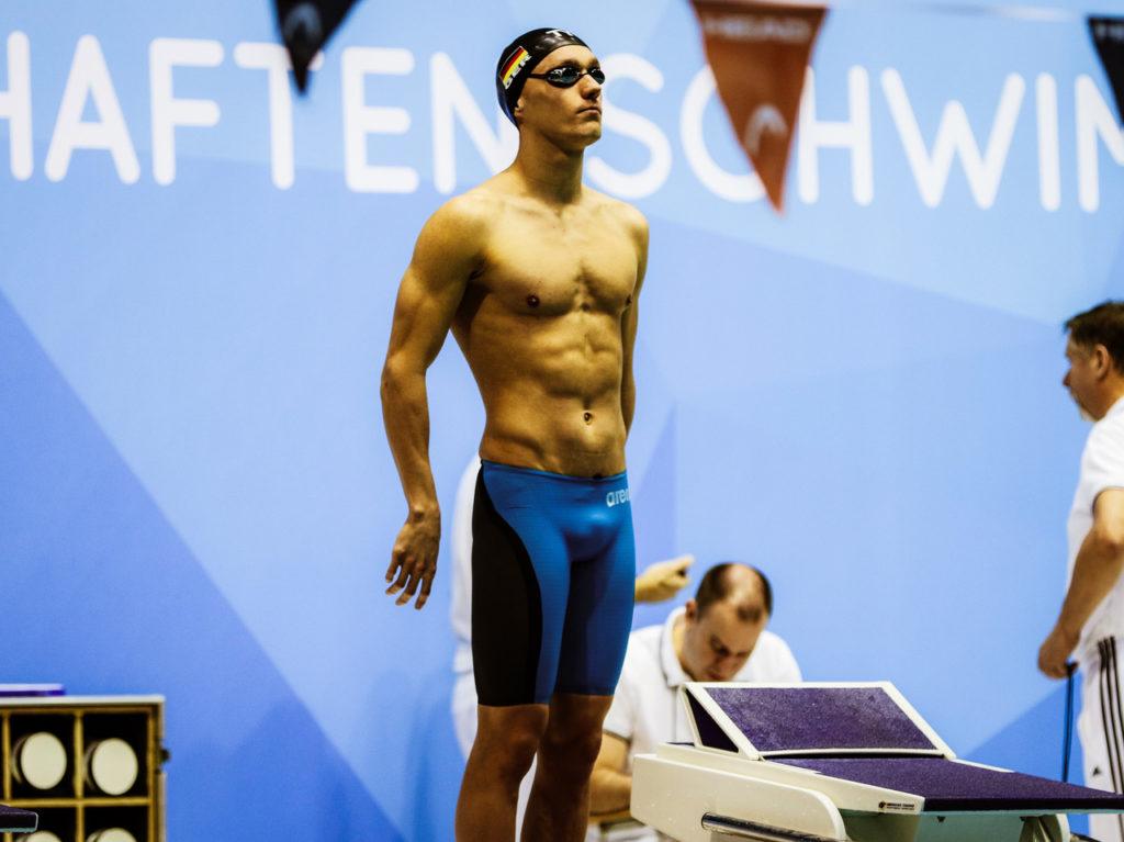 Leistungsschwimmer Thomas Rohmberger vom SV Zwickau 04 bei einem Wettkampf