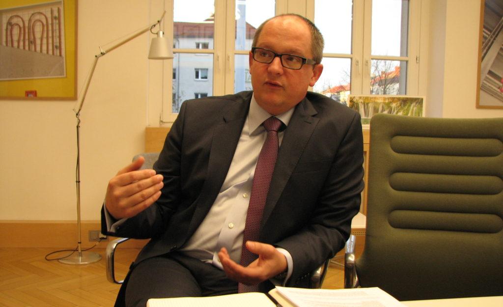 HTWK-Rektor Mark Mietzner während des Interviews mit luhze - Leipzigs unabhängige Hochschulzeitung Ende November